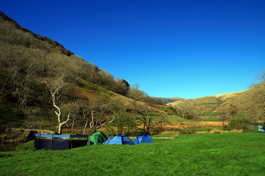 llyn Gwynant camp before climbing Mt Snowdon