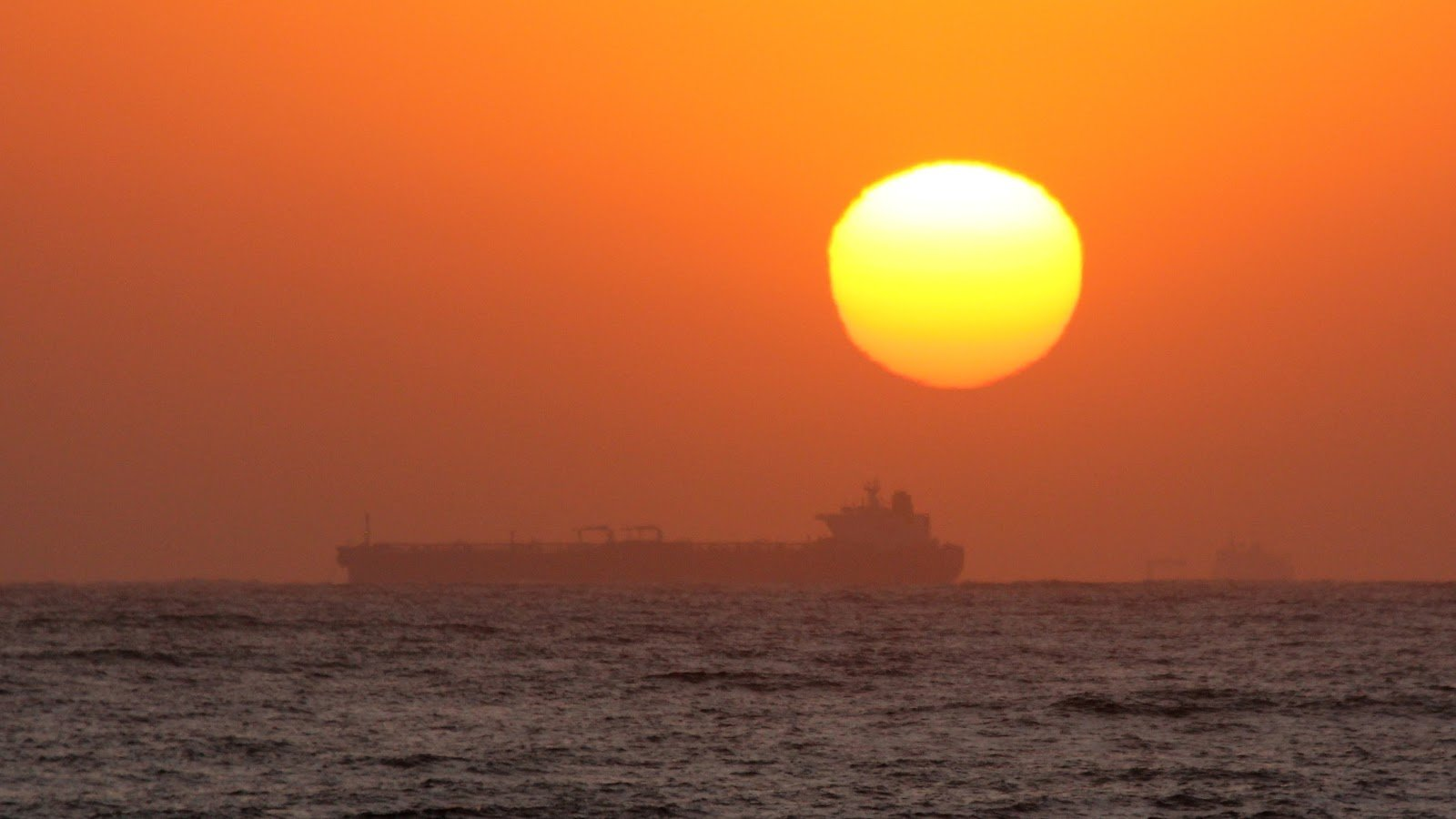Sunrise over the Indian ocean at Umdlotu