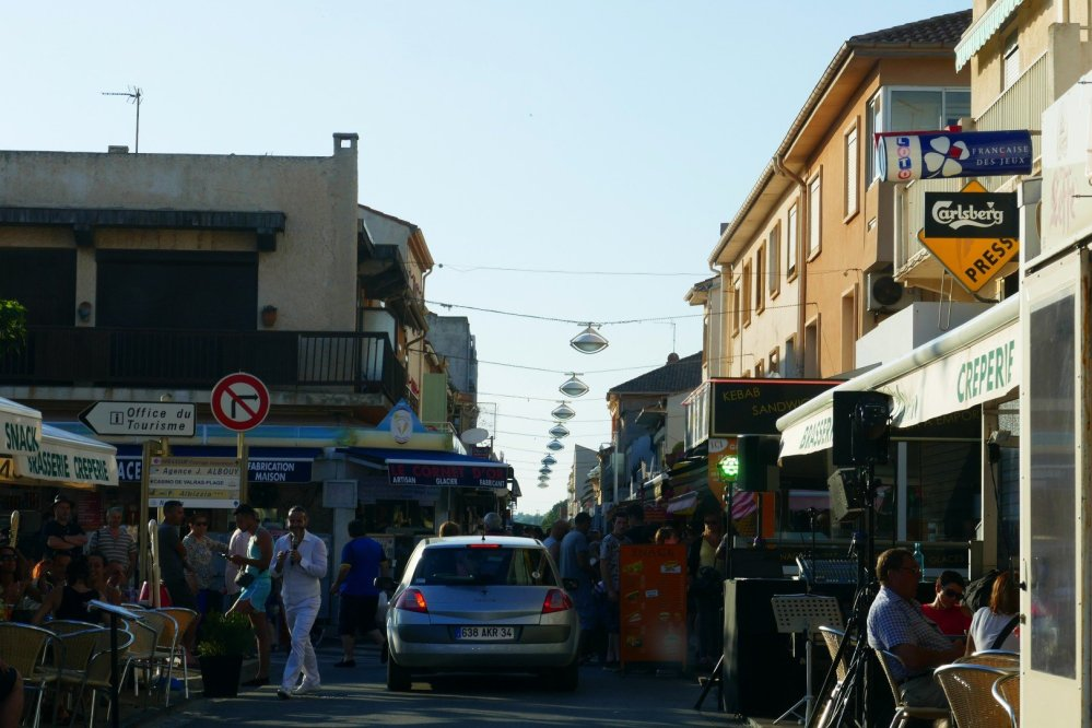 A busy Market Street in Valras Plage.