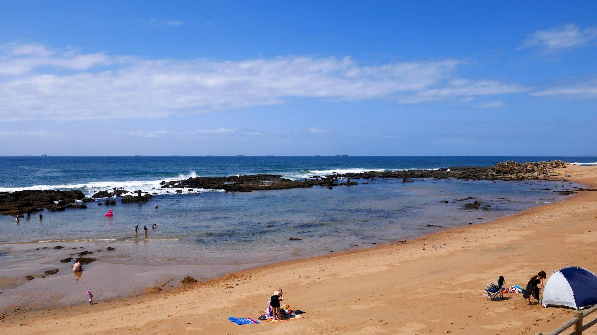 Umdloti tidal rock pool swimming area